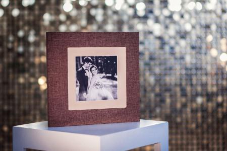 весільна фотокнига з фотовставкою